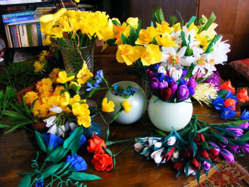 bibułkowa wiosna:) tutaj starałam się ująć wszystkie wzory.. #kwiaty #bibuła #wiosna