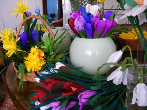 bibułkowa wiosna:) przebiśniegi z prawej.. #kwiaty #bibuła #wiosna