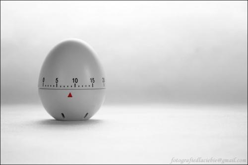 Odliczając do Świąt ... #Wielkanoc #Święta #jajko #czasomierz #biel #eksperymenty #kartki