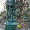 Paryż rzeźbione pojniki wodne #Paryż #Luxembur #parki #Sorbona #studenci #Sekwana