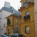 Paryż urocze domki #Paryż #Luxembur #parki #Sorbona #studenci #Sekwana