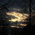 Takie sobie chmurki przed zachodem słońca ;) #chmury #chmura #drzewa #drzewo #widok