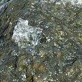 Kaskada kamienna, wyp�yw wody.