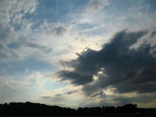 ... przez okno w samochodzie ... #chmury #niebo #natura #podróż