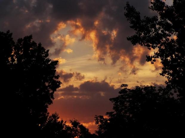 Ten sam wschód słońca, co obok. Nie mogłam się powstrzymać przed zamieszczeniem obu, bo oba polubiłam :) #WschódSłońca #słońce