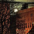 w Polsce Teleexpres - w Norwegii łysy w pełni #księżyc #nos #miasto #architektura #zjawiska