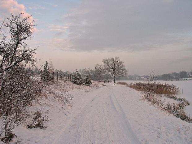 Dialog odmarzł :) #zalew #zima #śnieg #niebo #spacer