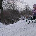 z górki, na pazurki ... #rodzina #zima #wnuczka #śnieg #sanki #Sławięcice