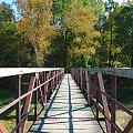 z tego miejsca były robione zdjęcia Jeziora Złotnickiego :) #JezioroZłotnickie #jesień #kładka #mostek