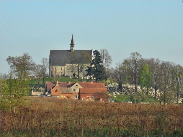 z rodzinnych stron #Lubięcin #kościół #cmentarz