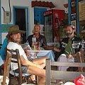 w tawernie wśród współczesnych hipisów w Matala #Matala #Kreta #groty #katakumby #morze #hipisi #plaża #słońce
