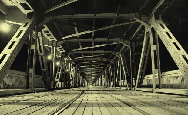 #most #mosty #deski #deska #tor #tory #tramwaj #tramwaje #metal #noc #światło