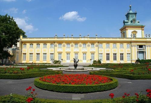 #architektura #zabytki #budynki #ogród #ogrody #fontanna #kwiaty