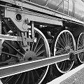 #pociąg #pociągi #lokomotywa #tor #tory #koła #stal #metal #para #woda