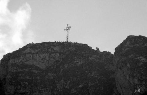 Kartki z podróży...z Doliny Strążyskiej w lewo na Giewont...ja poszłam prosto pod wodospad Siklawica...