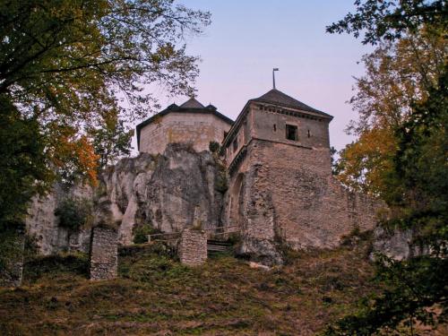 Nadchodzi jesień... Zamek w Ojcowie. #zamek #Ojców