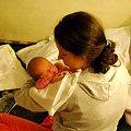 Poznań 2009-01-11 Ewelina z mamą - ma 11 dni #Ludzie #Rodzina #Dzieci #Wnuczka