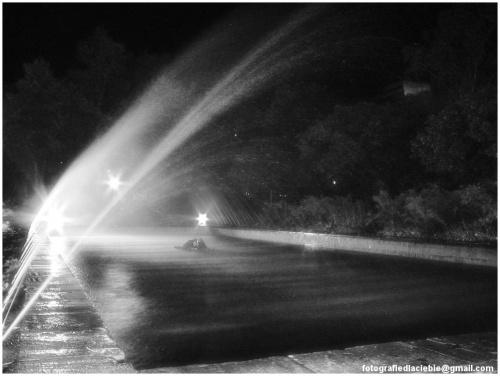 Fontanna ... #Krynica #Wierchomla #światło #miasto #fontanna #noc