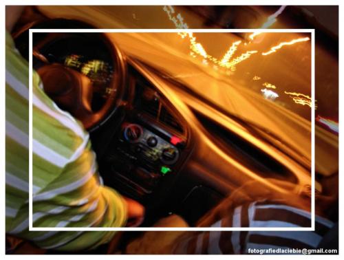 Powrót do domu ... #samochód #światła #noc #abstrakcja